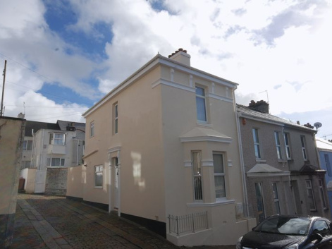 Beatrice Avenue, Plymouth - Immaculately presented 2 bed family home