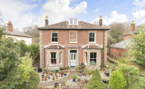 House for sale in Abbey Hill with Winkworth