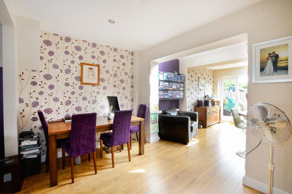 3 Bedroom Property For Sale In Kingshill Avenue Worcester