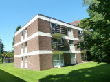 Wake Green Park, Moseley - Lovely Studio Apartment with Lovely Leafy Views!!
