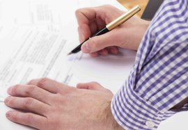 landlord signing contract