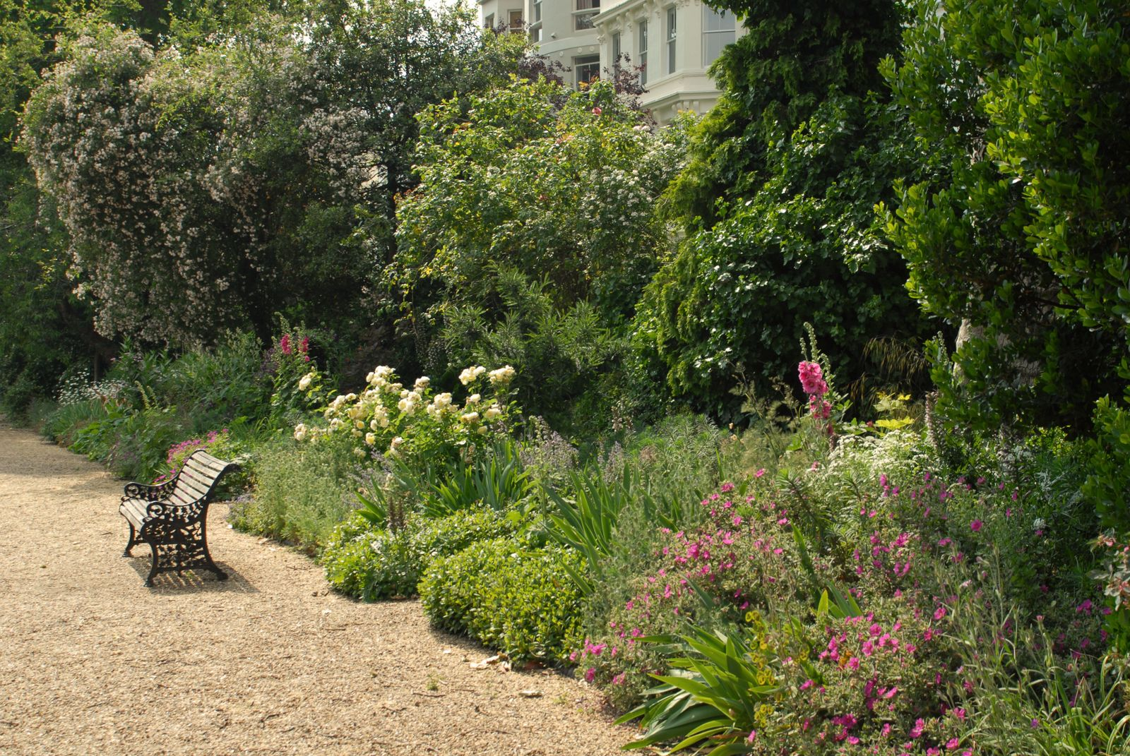 Winkworth Blog - Exploring garden squares in Prime Central London, Ladbroke Square Garden