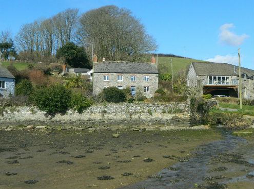 Astonishing Ten West Country Waterside Properties For Sale Stags Home Interior And Landscaping Eliaenasavecom
